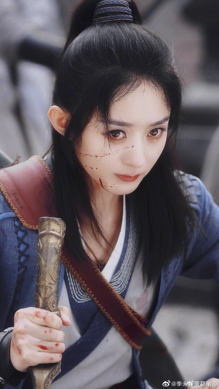 Triệu Lệ Dĩnh chỉ là 'hàng dự phòng' của 'Hữu phỉ', nữ chính ban đầu bỏ vai vì không thích Vương Nhất Bác