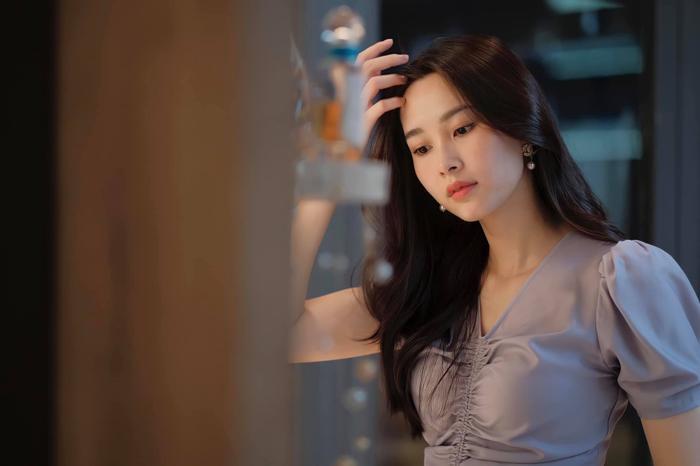 Ông xã Đặng Thu Thảo khoe được vợ và con gái cưng cắt tóc tại nhà, ai nhìn cũng ghen tị Ảnh 5