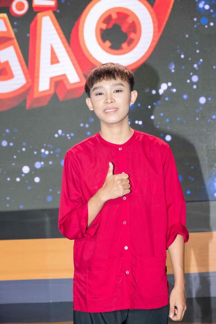 Phi Nhung dường như đang bỏ quên sự nghiệp âm nhạc của Hồ Văn Cường? Ảnh 6