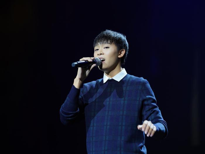 Phi Nhung dường như đang bỏ quên sự nghiệp âm nhạc của Hồ Văn Cường? Ảnh 9