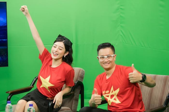 Trên sóng truyền hình, Á hậu Huyền My bình luận điều gì về Đoàn Văn Hậu khiến 3 khách mời nam phải gật gù Ảnh 3