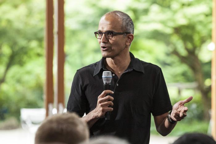 Satya Nadella trở thành CEO kiêm Chủ tịch hội đồng quản trị Microsoft Ảnh 1