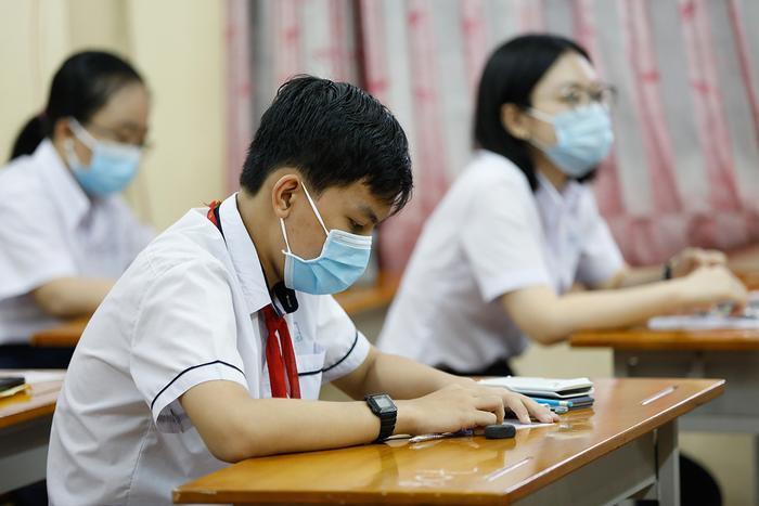 Hôm nay, Hà Nội bắt đầu chấm thi vào lớp 10 Ảnh 1