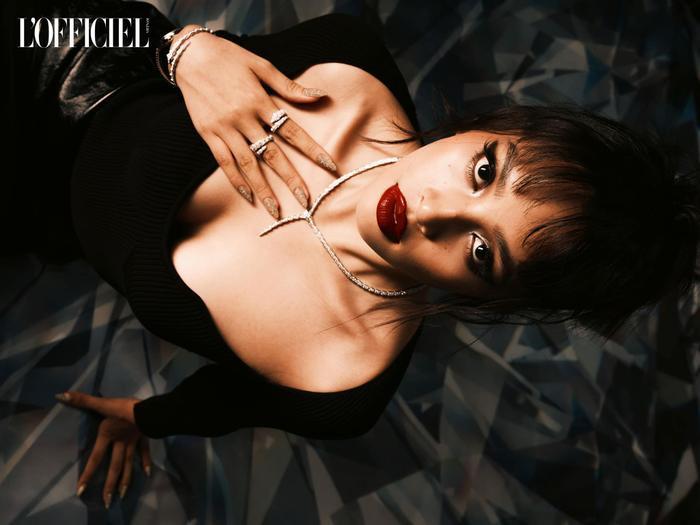 Hoa hậu Tiểu Vy đẹp chao đảo cõi mạng với tạo hình thời trang độc đáo Ảnh 8