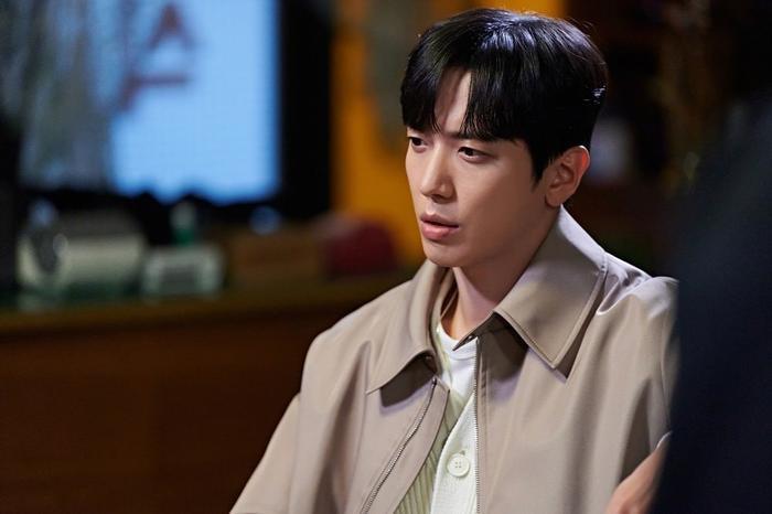 Trưởng nhóm CNBLUE: Được hợp tác với Jang Nara ở 'Bất động sản trừ tà' là giấc mơ có thật của tôi Ảnh 8