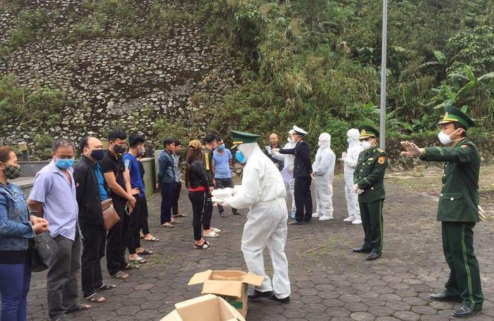 Hà Tĩnh tạm dừng tiếp nhận công dân từ Lào về qua cửa khẩu Ảnh 1