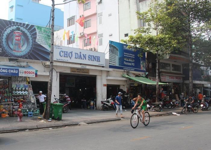 TP. HCM: Đóng cửa tạm thời khu chợ Dân Sinh ở quận 1 do liên quan đến ca nghi nhiễm Covid- 19 Ảnh 1