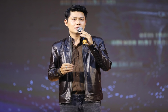 Nguyễn Văn Chung gay gắt khi bị spam ảnh chụp trong group chat nghệ sĩ: 'Thật sự quá tào lao' Ảnh 4
