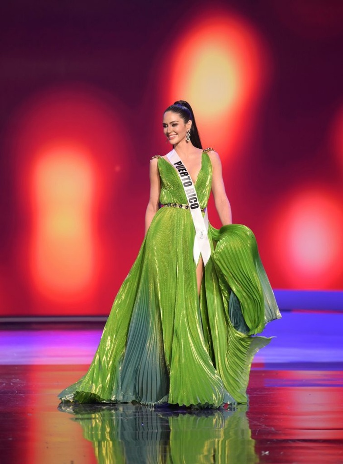 Váy dạ hội Miss Universe: Bán kết hay Chung kết mới thực sự là đỉnh của chóp? Ảnh 5