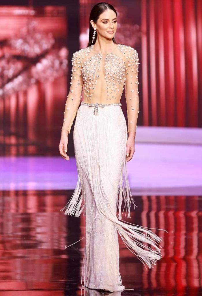 Váy dạ hội Miss Universe: Bán kết hay Chung kết mới thực sự là đỉnh của chóp? Ảnh 7