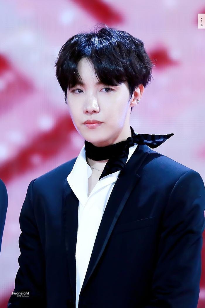 Top 10 idol K-Pop nổi tiếng nhất thế giới năm 2021: BTS và BlackPink cạnh tranh khốc liệt