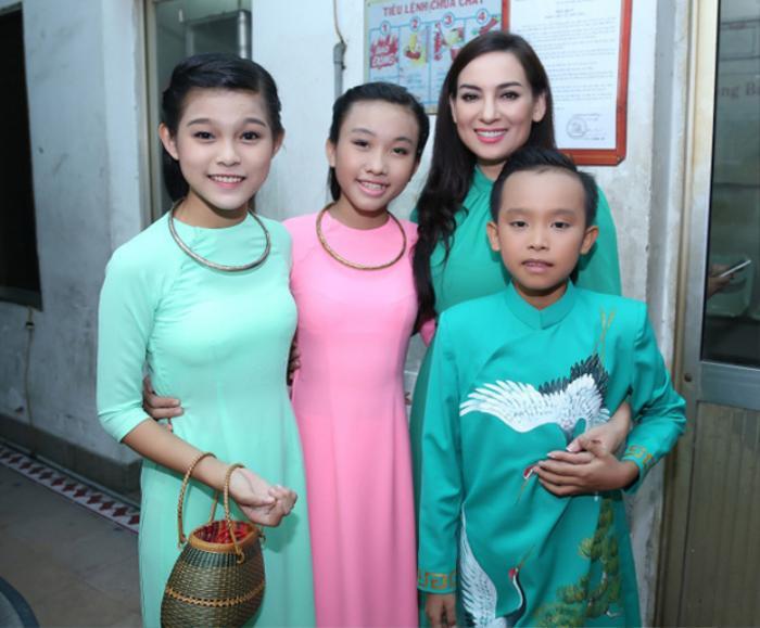 Quản lý hé lộ 2 con nuôi của Phi Nhung chịu nhiều thiệt thòi lúc Hồ Văn Cường mới chuyển về sống chung Ảnh 2