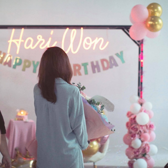 Trấn Thành tự tay trang trí sinh nhật cho Hari Won: Đơn giản nhưng cực ấm áp Ảnh 2
