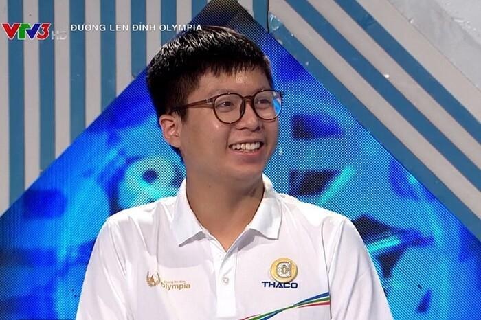 Nam sinh Hà Nội vừa giành vé vào chung kết Olympia 2021 sở hữu loạt thành tích học tập đáng nể Ảnh 2