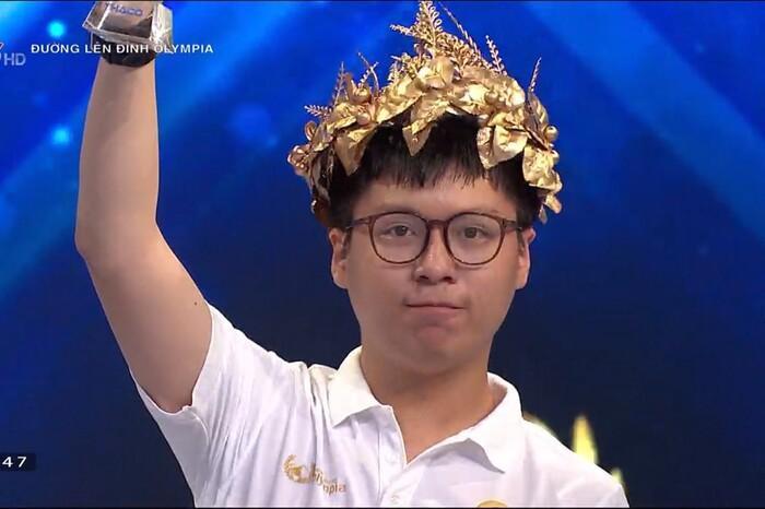 Nam sinh Hà Nội vừa giành vé vào chung kết Olympia 2021 sở hữu loạt thành tích học tập đáng nể Ảnh 3