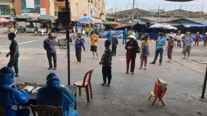 Nghệ An: Chợ đầu mối lớn nhất tỉnh tạm đóng cửa để truy vết Covid-19 Ảnh 2