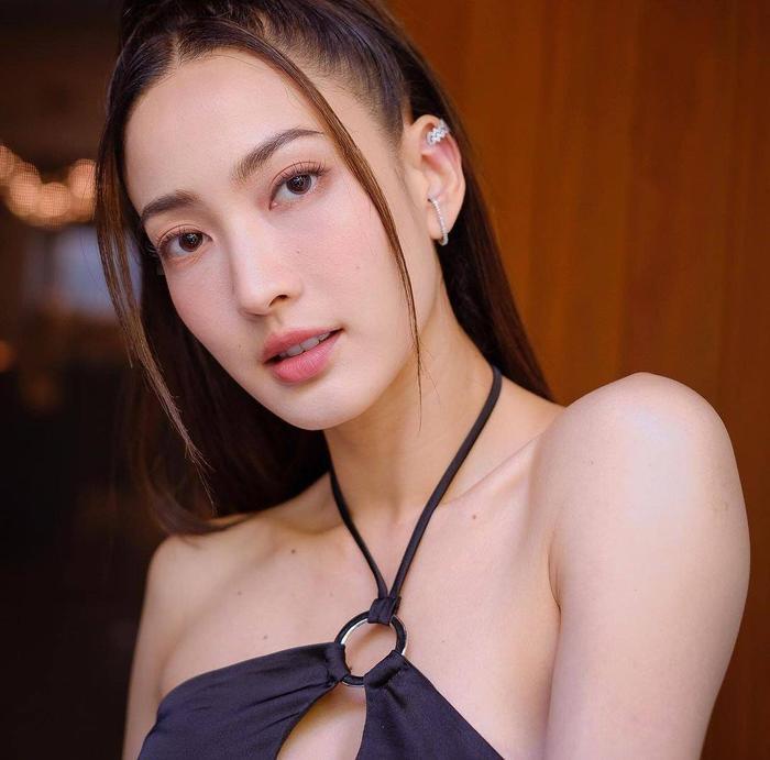 Nam thần Nadech Kugimiya tái hợp 'nữ hoàng thị phi' Taew Natapohn trong phim mới Ảnh 12