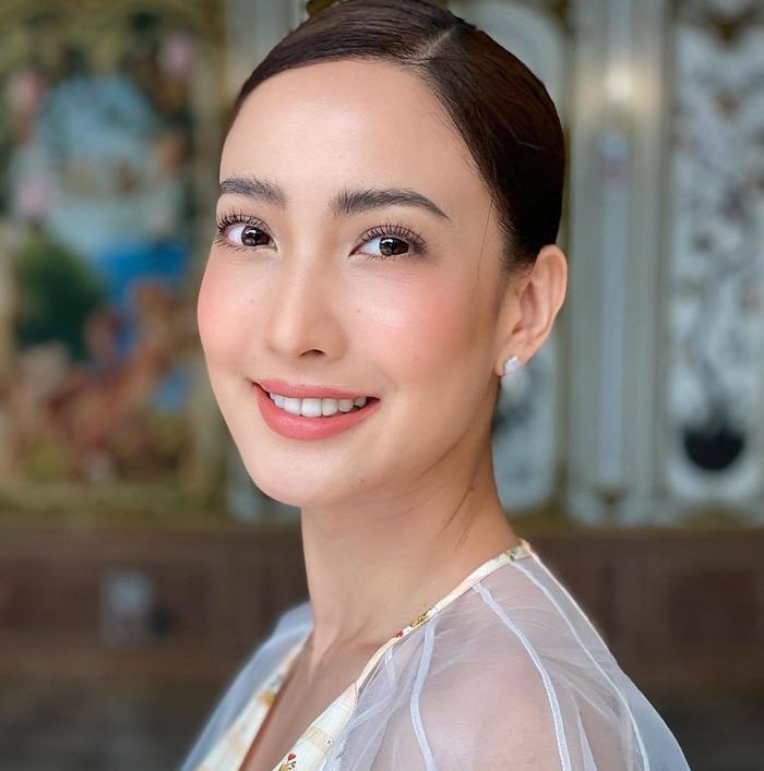 Nam thần Nadech Kugimiya tái hợp 'nữ hoàng thị phi' Taew Natapohn trong phim mới Ảnh 14