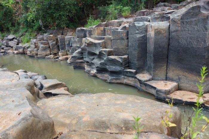 Chiêm ngưỡng suối đá cổ trên 100 triệu năm tuổi tại Gia Lai Ảnh 5