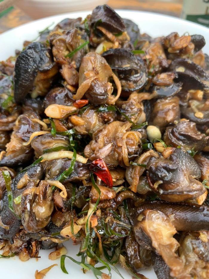 """Món nhậu """"khoái khẩu"""" từ ốc sên hấp dẫn thực khách Việt - 4"""