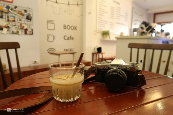 Tiệm cà phê kiêm giặt là Ảnh 8