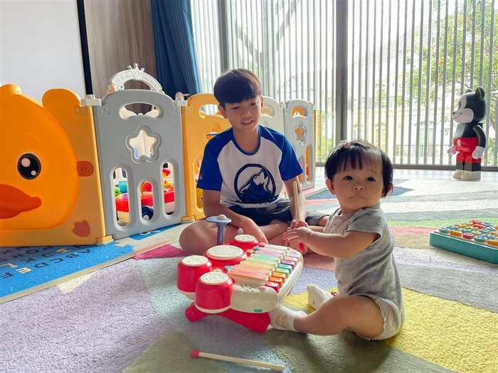 Cường Đô La 'tậu' hai chiếc 'xế xịn' bạc tỉ cho Subeo và Suchin