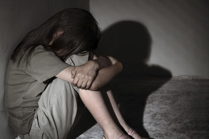 Đòi quan hệ tình dục bị vợ từ chối, gã chồng quay sang 'làm bậy' với con gái 10 tuổi Ảnh 1