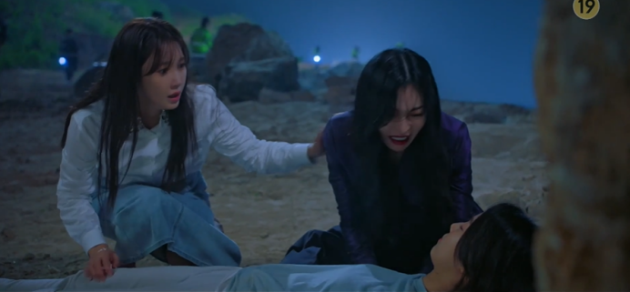 'Penthouse 3' tập 5: Oh Yoon Hee bỏ mạng dưới tay Seo Jin, Bae Ro Na đoàn tụ với bố ruột