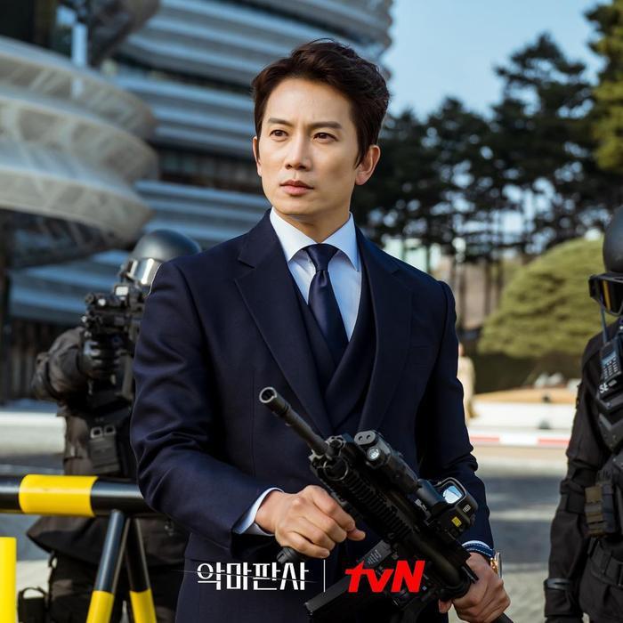 Thẩm phán ác ma' của Ji Sung và Jin Young lên sóng