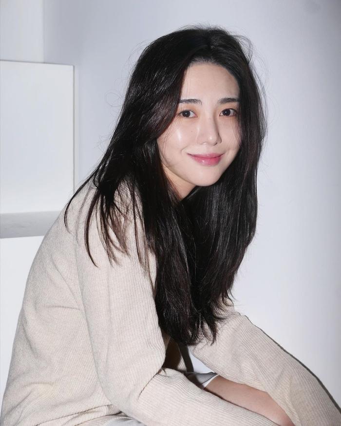 Kwon Mina nhắc tên Seolhyun (AOA) trong thư tuyệt mệnh, dân mạng chỉ trích 'ghen ăn tức ở vừa thôi'
