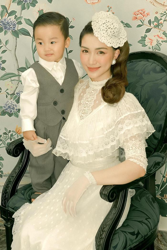 'Đọ trí nhớ' với con trai Hòa Minzy: Liệu bạn có đọc tên được quốc kì các nước trên thế giới không? Ảnh 4
