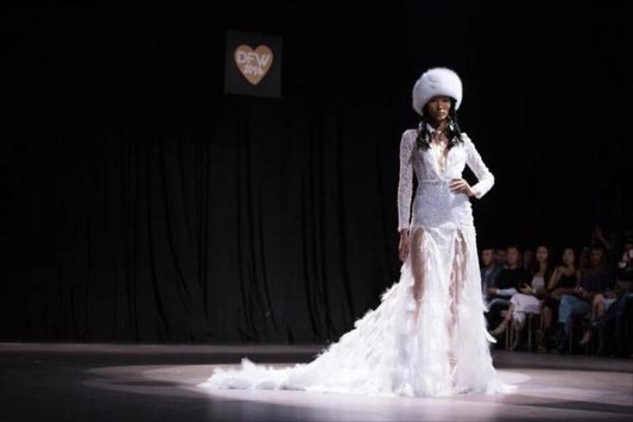 Bức ảnh Hoàng Thùy trong drama túi Chanel bị 'đào' lại, fan bóc cả bằng chứng nâng ngực Ảnh 1