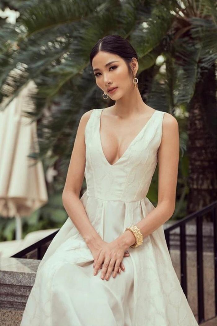 Bức ảnh Hoàng Thùy trong drama túi Chanel bị 'đào' lại, fan bóc cả bằng chứng nâng ngực Ảnh 6