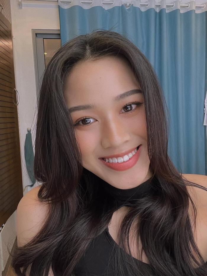 Hoa hậu Đỗ Thị Hà mặc style bụi bặm nhưng vẫn bị cư dân mạng nhắc khéo cực hài Ảnh 4