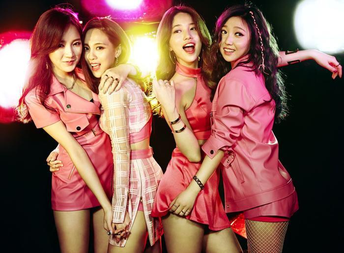Là 'nhóm nhạc chăm chỉ' bậc nhất K-Pop, ấy vậy hành trình của TWICE có lẽ sẽ sớm kết thúc vì lí do sau