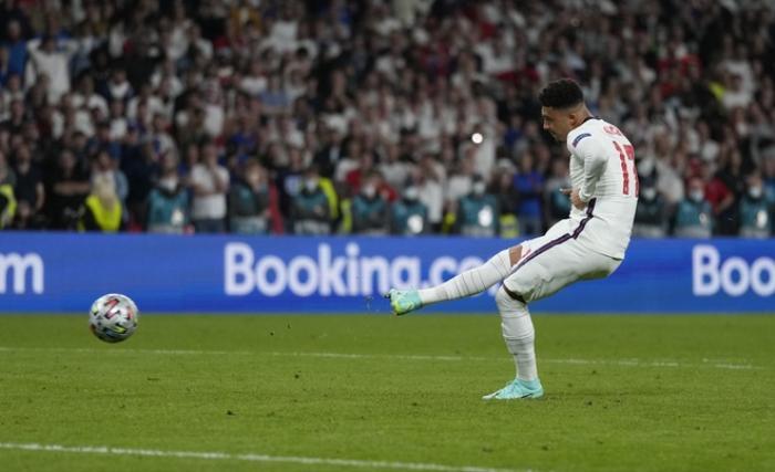 VIDEO: Loạt penalty định mệnh giữa Anh và Italia tại chung kết EURO 2020 Ảnh 1