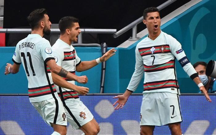 Ronaldo giành Vua phá lưới EURO 2020, lập kỳ tích vô tiền khoáng hậu Ảnh 1