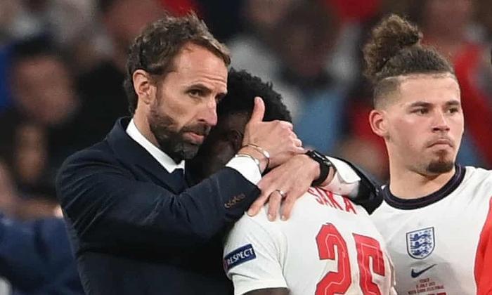 Ý vô địch EURO 2020: Bóng đá đến Rome vì màn thay người kỳ lạ của HLV Anh! Ảnh 1
