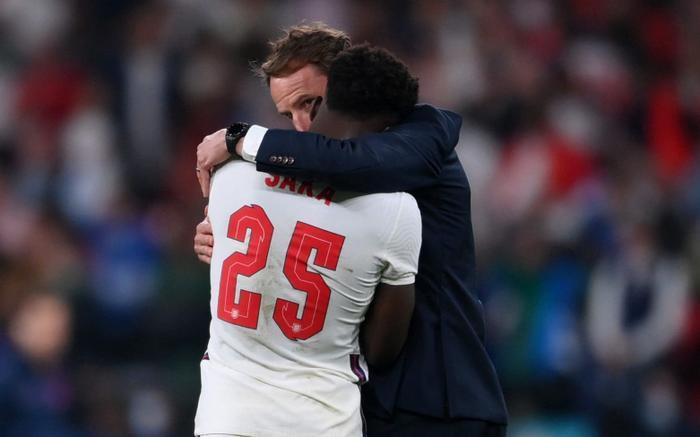 Tuyển Anh không vô địch EURO 2020: 'Tam sư' mang lá gan chuột nhắt! Ảnh 1