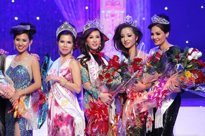 Netizen bất ngờ 'đào' lại bức ảnh NS Thúy Nga và Thu Hoài từng thi chung một cuộc thi Hoa hậu Ảnh 1