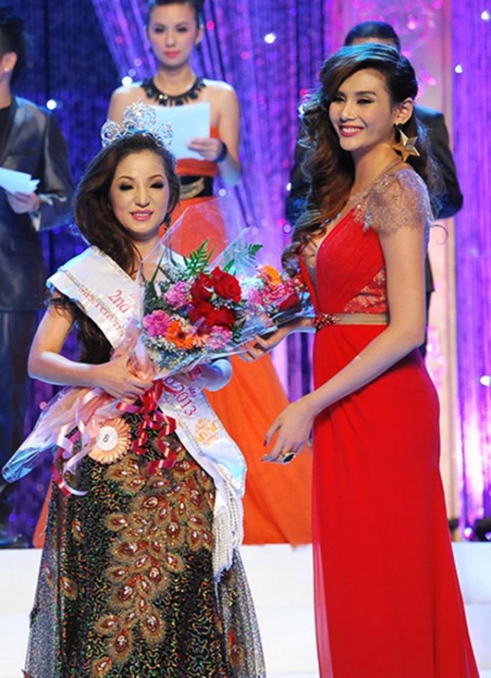 Netizen bất ngờ 'đào' lại bức ảnh NS Thúy Nga và Thu Hoài từng thi chung một cuộc thi Hoa hậu Ảnh 4