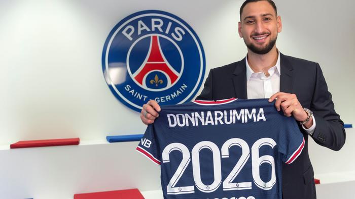 Nhà vô địch EURO 2020 chính thức gia nhập PSG Ảnh 1