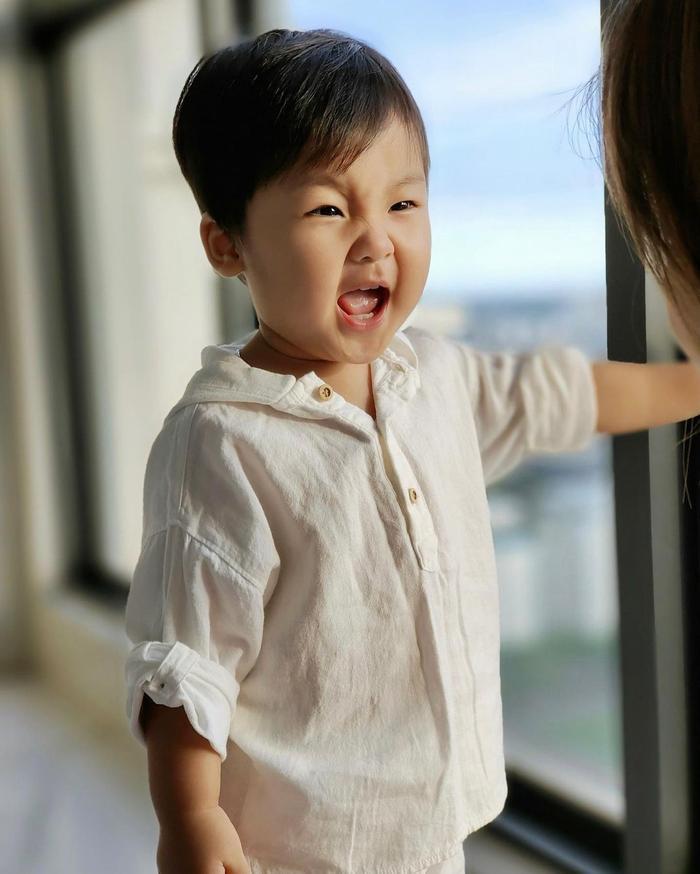 Con trai Hòa Minzy mới sáng sớm đã khóc nức nở vì lí do bất ngờ Ảnh 2