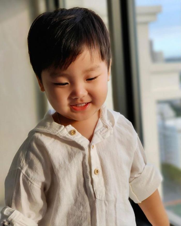 Con trai Hòa Minzy mới sáng sớm đã khóc nức nở vì lí do bất ngờ Ảnh 3