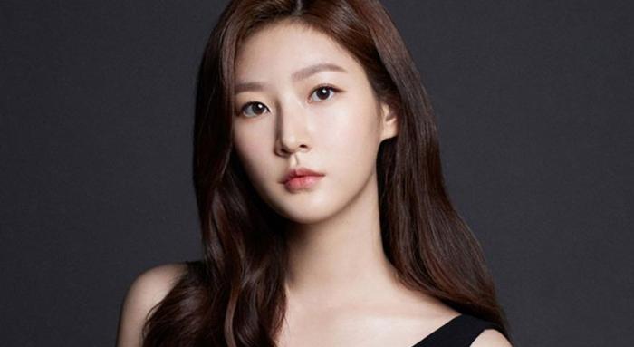 Cậu ấm nhà 'Penthouse' Kim Young Dae xác nhận tham gia phim mới sau khi rút khỏi 'School 2021'