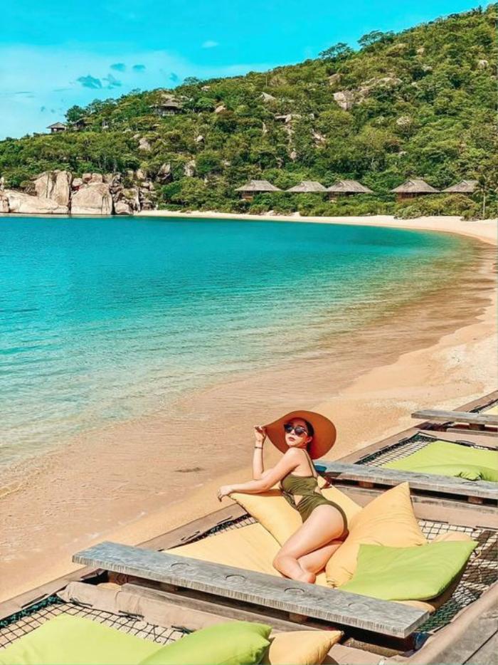 Quỳnh Nga đăng ảnh bikini khoe body mướt mắt nhưng thái độ của Việt Anh gây chú ý hơn Ảnh 1