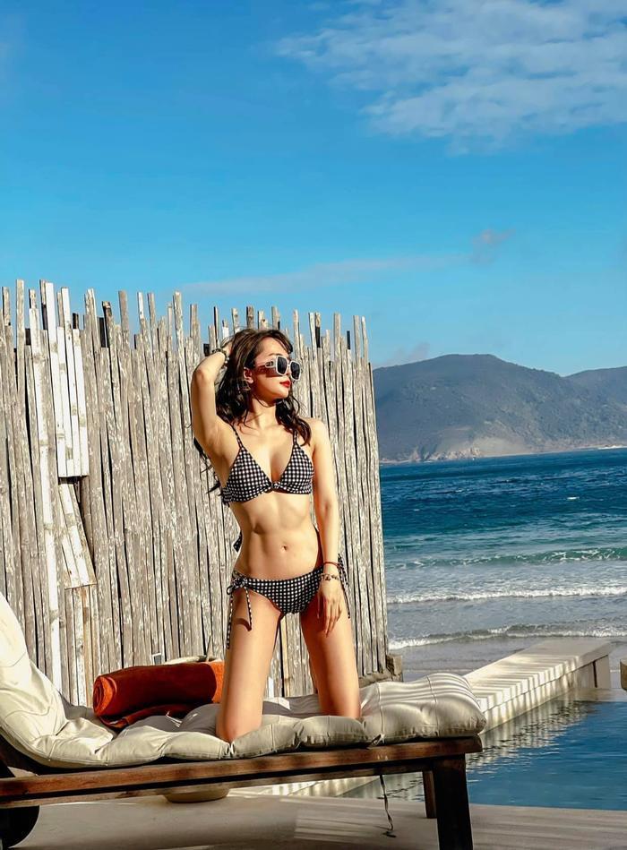 Quỳnh Nga đăng ảnh bikini khoe body mướt mắt nhưng thái độ của Việt Anh gây chú ý hơn Ảnh 5