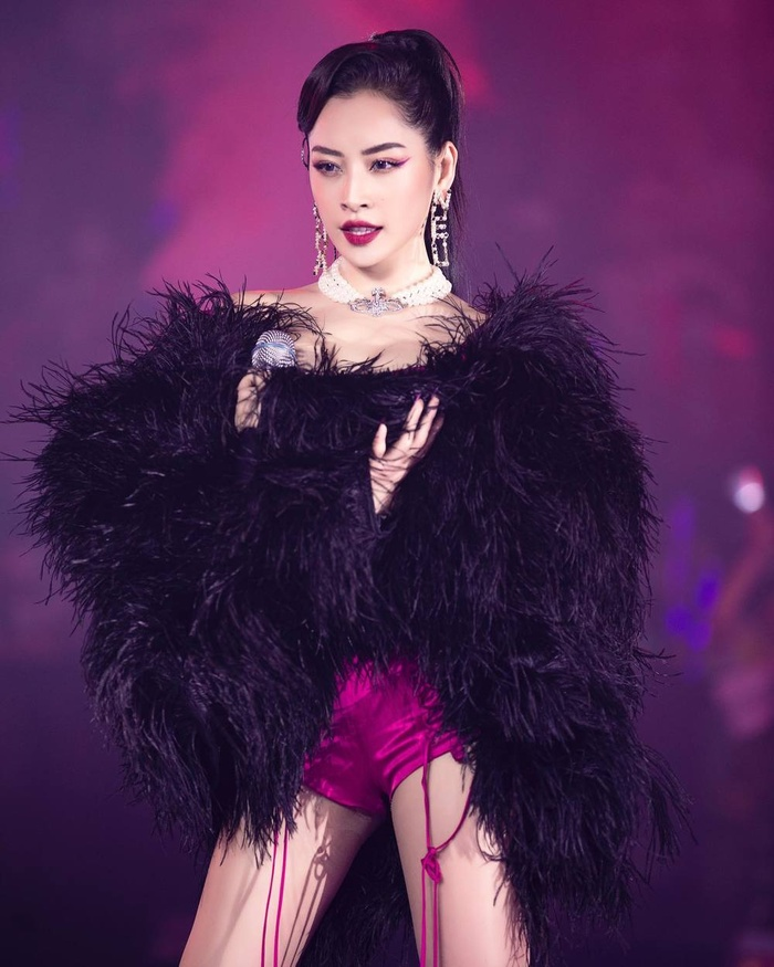 Văn Mai Hương đăng clip tập hát thế nào mà để dân tình toàn gọi tên Chi Pu thế này?