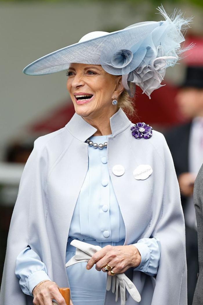 Bí ẩn tủ đồ Hoàng gia: Lóa mắt với loạt trang sức thạch anh tím của phụ nữ hoàng gia Anh Ảnh 6