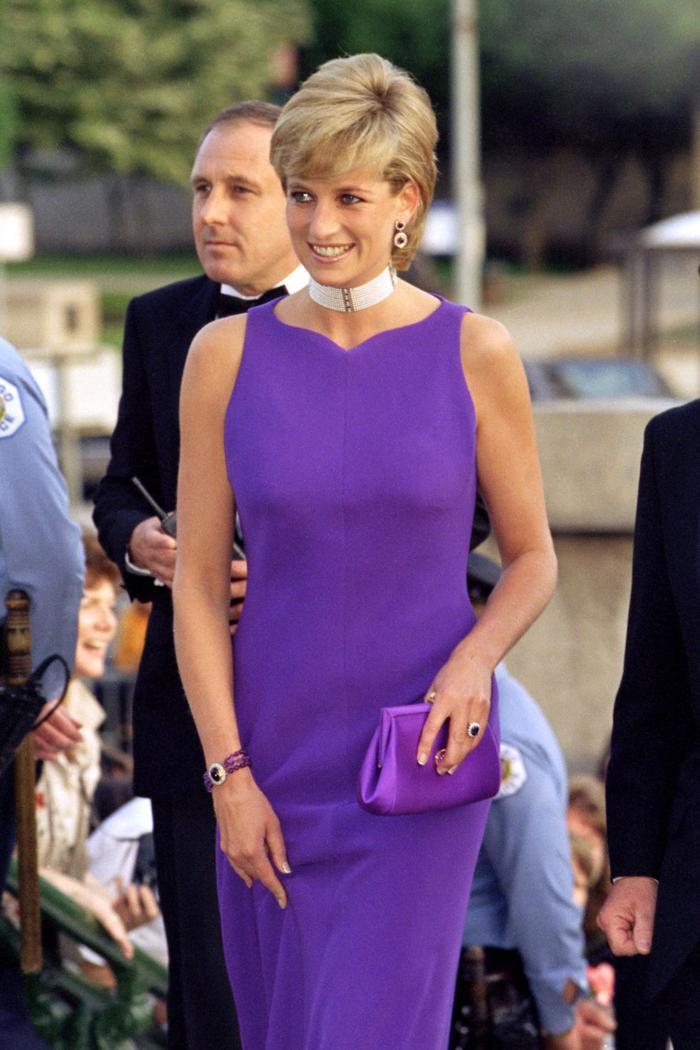 Bí ẩn tủ đồ Hoàng gia: Lóa mắt với loạt trang sức thạch anh tím của phụ nữ hoàng gia Anh Ảnh 2